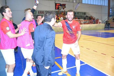 Antonio Caruso dopo un gol