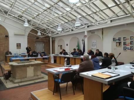 Un momento della discussione consiglio comunale Pisticci
