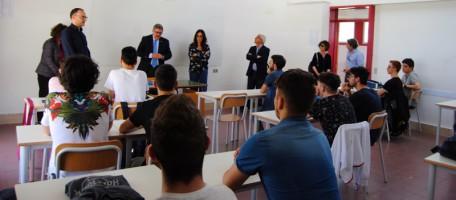 CamCoMt_presidente Tortorelli con alunni V A IIS Pentasuglia di Matera
