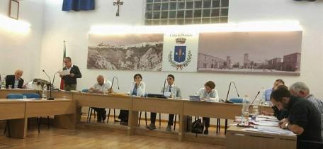 Foto di un Consiglio Comunale a Marconia