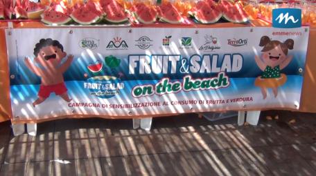 fruit&Salad on the beach