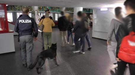 polizia controlli scuola 2