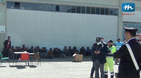migranti policoro