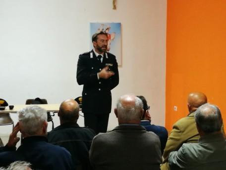 carabinieri incontro contro truffe