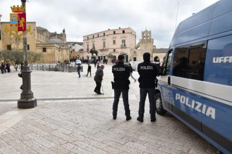Piazza Vittorio Veneto polizia