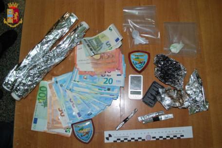 stupefacenti sequestrati relativi all'arresto