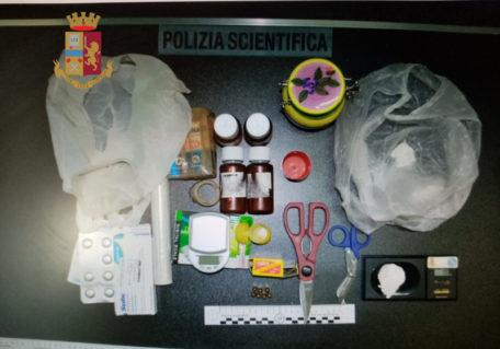 1. droga e altro materiale sequestrato